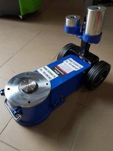 Podnośnik hydrauliczno – pneumatyczny 30 t
