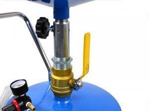 Zlewarka-pneumatyczna-do-oleju-70L-4